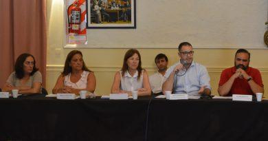 """Domínguez: """"Aiola debería reconocer el trabajo de la Red Solidaria y de todos los que están presentes en tiempos de dificultades""""."""