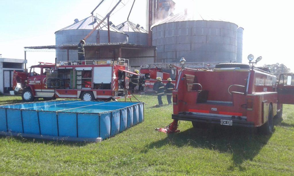 Imagen del siniestro en planta de silos de Ruta Provincial 51, kilómetro 171.