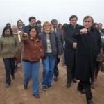 Los magistrados a cargo del juicio visitaron ayer el barrio Ituzaingó, donde se hicieron las denuncias.