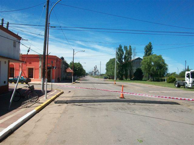 En la esquina del Club San Lorenzo se colocaron dos reductores de velocidad.