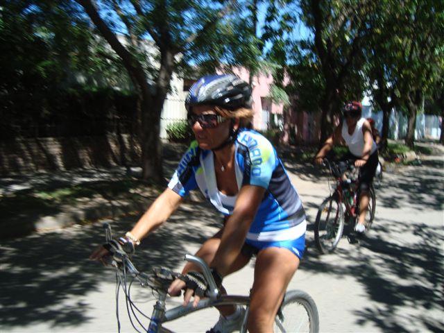 Marita Ariagno llegando a su meta.