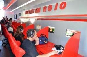 Interior del móvil de Rutas en Rojo.
