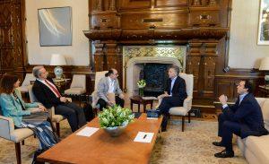 Macri recibió a los investigadores argentinos que desarrollaron un páncreas artificial