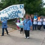 Los maestros de Rawson marchando la semana pasada.