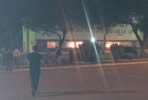 La Municipalidad de Monte Hermoso también fue atacada por los manifestantes.