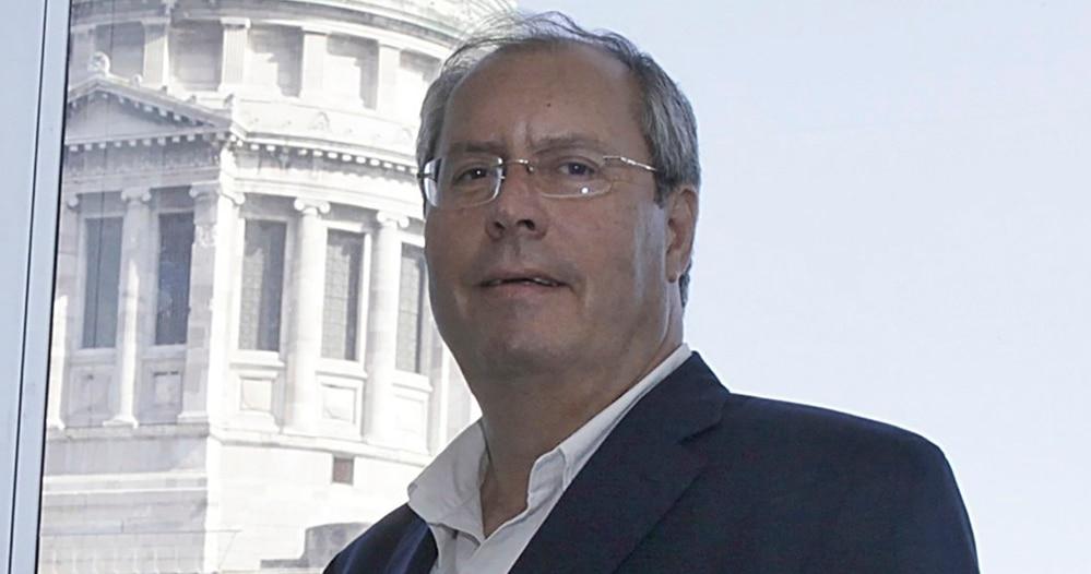 Diputado, Héctor Olivares