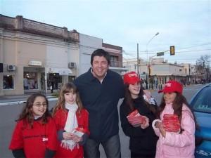 El Candidato a Intendente Jorge Ortega recorrió la muestra de la Fiesta del Maíz.