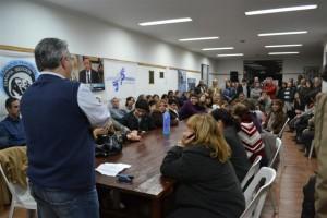 Mauricio Barrientos dirigiéndose a los presentes en el Plenario del PJ.