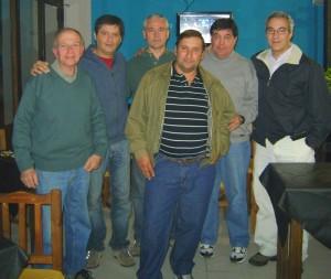 Autoridades del Club junto al Sr. Giammarino.