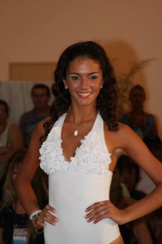 Anabela Longarino (25 de Mayo).