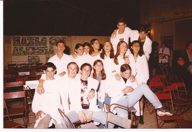 Otra imagen de alumnos de la Promoción 1999.