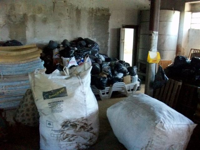 Muchísimos son los bultos de donaciones que irán a comunidades chaqueñas.