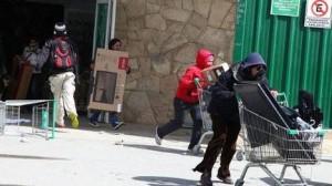 Saqueo al supermercado Changomas en Bariloche.