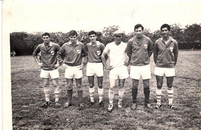 De izquierda a derecha: Osvaldo Chiarini, Alberto Barbatti, Oscar Talento, Carlos Lengle, Alberto del Campo y José Lucero. Gentileza: Oscar Talento.