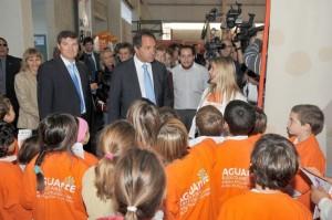 El Gobernador Bonaerense esta mañana estuvo en Lincoln y estará visitando Chacabuco inaugurando el CIC que estará terminado en el barrio La Ilusión.