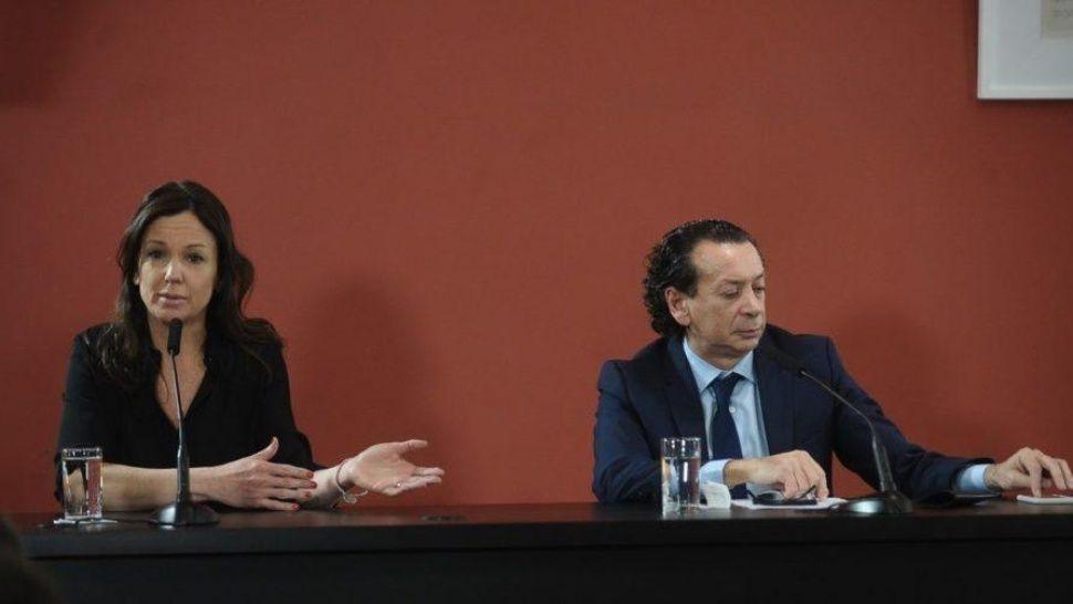Stanley y Sica ratificaron que el gobierno seguirá el rumbo el rumbo económico