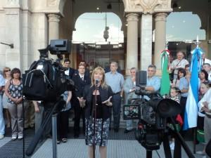 La titular de Infraestructura, Cristina Alvarez Rodríguez, encabezó los actos en Chacabuco.