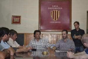 Entregaron materiales deportivos a los Clubes de Chacabuco.