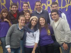 Jóvenes Radicales acompañados por el concejal Mariano Cámera.