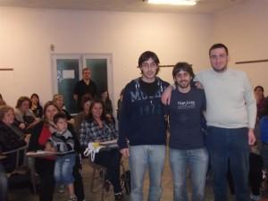 Los estudiantes Sebastián Mir, Facundo Montero y Francisco Lisi que diseñaron el sistema para el control del peso.