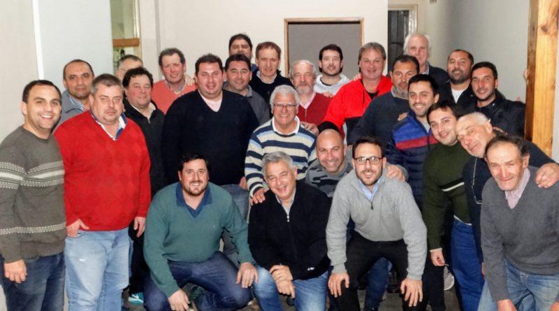 Barrientos entrega subsidio a clubes de Chacabuco.