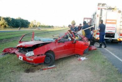 Estado en que quedó el Volkswagen Golf conducido por un menor de 15 años que falleció en el acto.