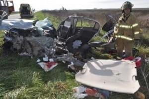 Estado en que quedó el auto en el que viajaban vecinos de Chacabuco.