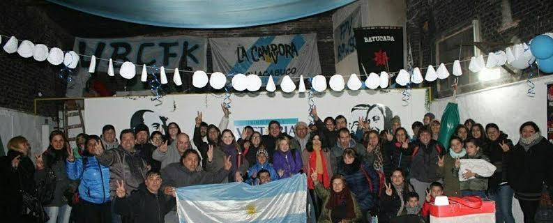 """20/6/17- Más de 60 militantes del Frente para la Victoria Chacabuco viajaron a la ciudad de Avellaneda, para presenciar el  lanzamiento de la """"Unidad Ciudadana"""" en el estadio de Arsenal de Sarandí,  frente que lidera Cristina Fernández de Kirchner."""