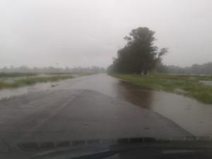 El acceso a Castilla está cortado en tres tramos. Foto gentileza: Marcelo Hernández.