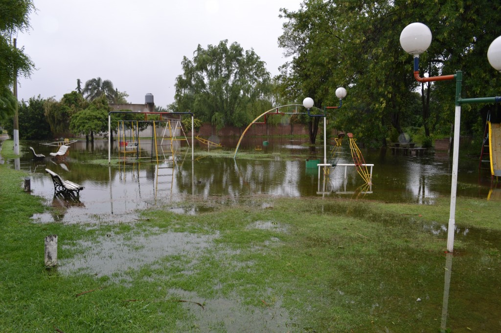 Parque Jonas Salk, en avenida Chacabuco y Balcarce.
