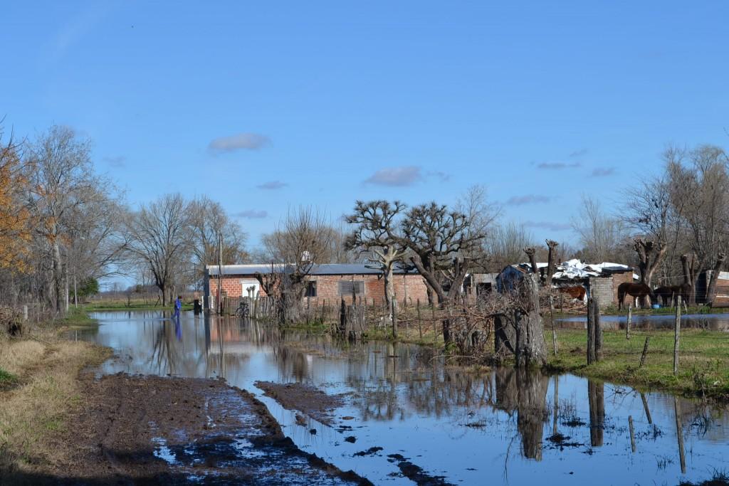Lugar dónde vecinos debieron abandonar sus viviendas por el agua.