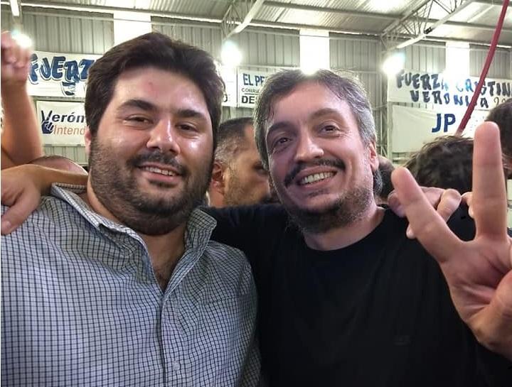 Aimoré Papini junto a Máximo Kirchner en el Congreso del PJ en La Matanza.