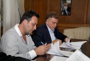 Aiola firma entrega de 272 viviendas para Chacabuco