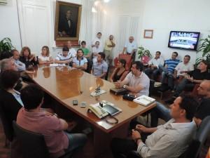 Aiola convocó a reunión extraordinaria de gabinete.