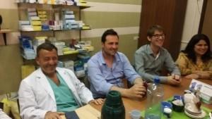 Víctor Aiola visitó el Hospital con su equipo de trabajo