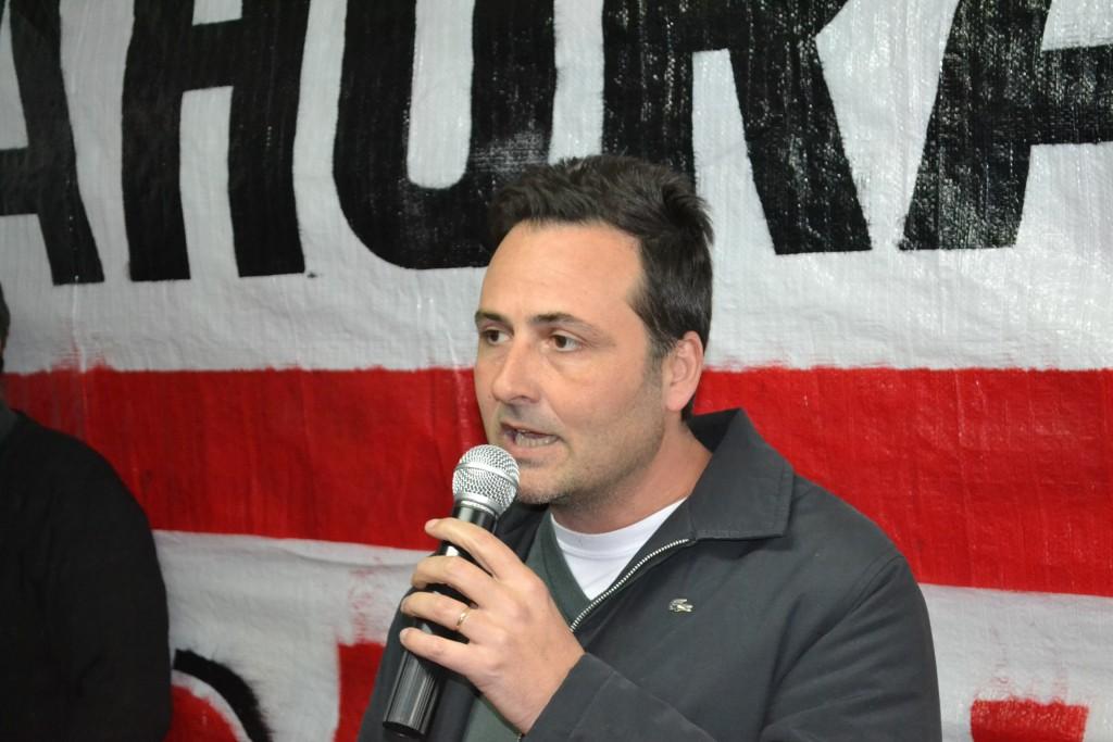 Adelanto: 19/9/15- Anoche, con la presencia del candidato a Intendente, Víctor Aiola, quedó inaugurado el local del Frente Cambiemos, ubicado en avenida Vieytes, entre Pasaje Moure y Balcarce.