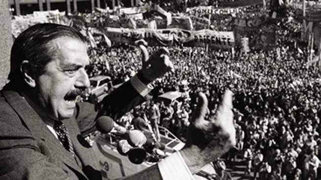 30/10/13- Hoy se cumplen 30 años del triunfo de Raúl Alfonsín (UCR) y de esa manera regresaba la vida democrática a la Argentina. Alfonsín en su momento había dicho que desde hoy, tendremos democracia por muchos años.