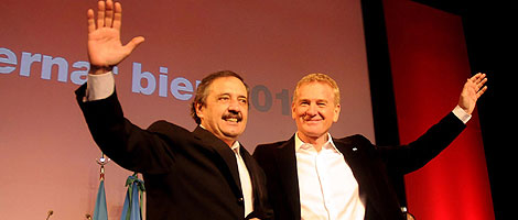 Alfonsín y De Narváez durante el acto llevado a cabo en la ciudad de La Plata.