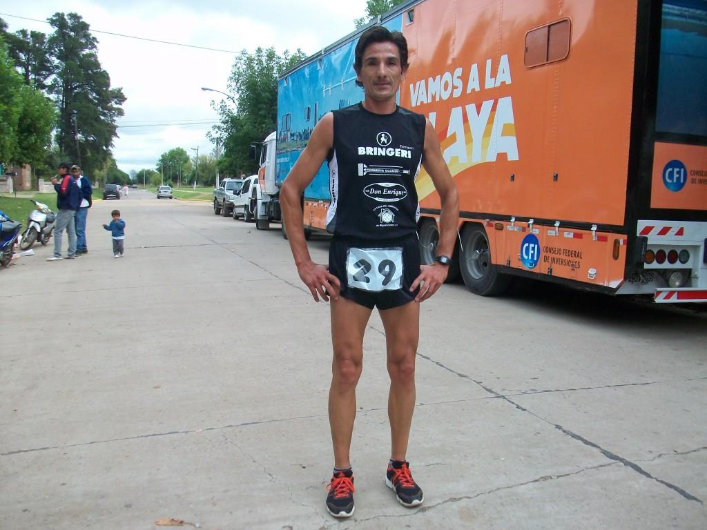 Oscar Cabral de Junín ganó la Maratón 128 aniversario de Rawson.