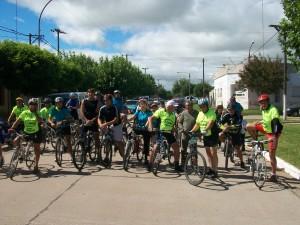 Los integrantes de Rural Bike Rawson aportaron lo suyo a la fiesta aniversario.