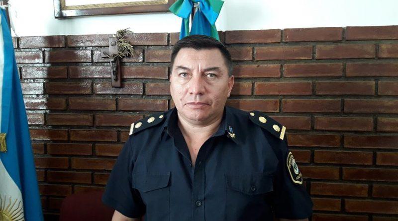 Comisario, Enrique Arce.