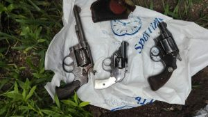 Armas secuestradas en el inmueble de Rodríguez.