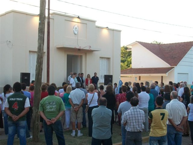 Imagen de los presentes a la asunción de la nueva Delegada Municipal de Castilla.