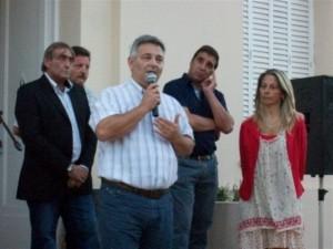 El Intendente Mauricio Barrientos al poner en funciones a la Delegada Municipal de Castilla.
