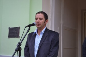 Juan C. Gómez.