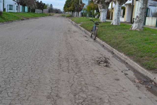 Las roturas en avenida Chacabuco, entre Sangiani y avenida de Circunvalación Mitre.