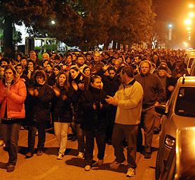 Vecinos de Ayacucho realizan marcha.