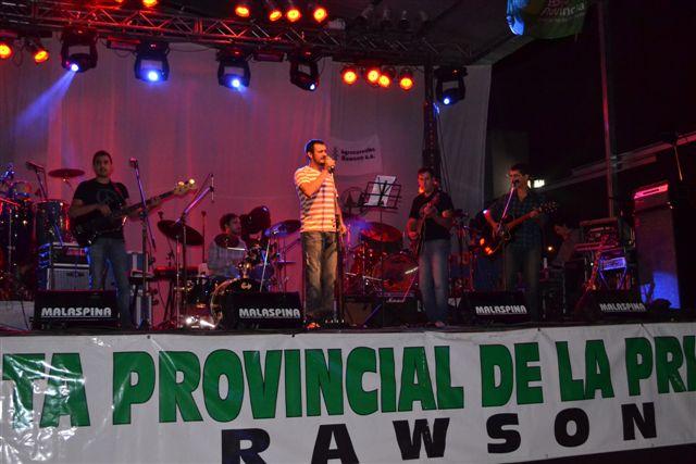 Media Legua, banda de rock local, compuesta por Daniel Marconi, Emanuel Etchanchú, Cristián Martínez, Agustín Rocha, Martín y Nicolás Villalba Petit.