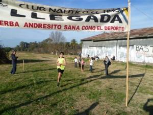 Gianfranco Barranco cruzando la meta.