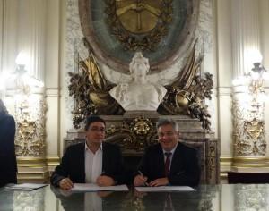 Barrientos con  el Lic Javier Rodriguez, subsecretario de Emergencia Agropecuaria del Ministerio de Agricultura.